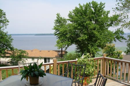 Nauvoo's Riverview Retreat near Visitors Center! - Niota