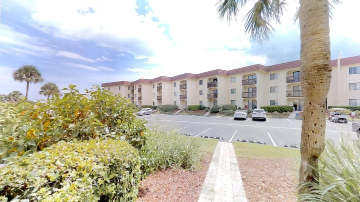 Southern Sun 2 bedroom ground floor condo with beach access, tennis, 2 pools (1 heated) and gated complex