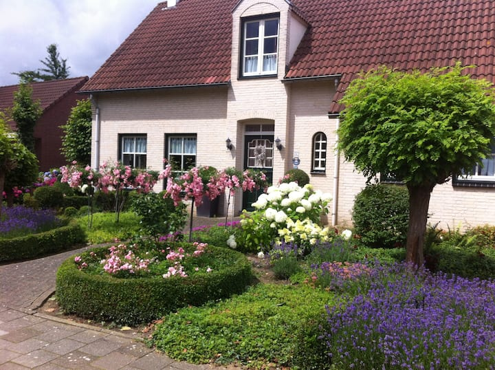 Apartment in Beautiful Garden by Roermond Outlet.