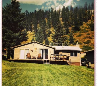 Cozy Rochford Cabin--Creekside! - Hill City - Cottage