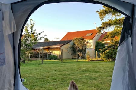 T2 / Tent in large garden with access to house