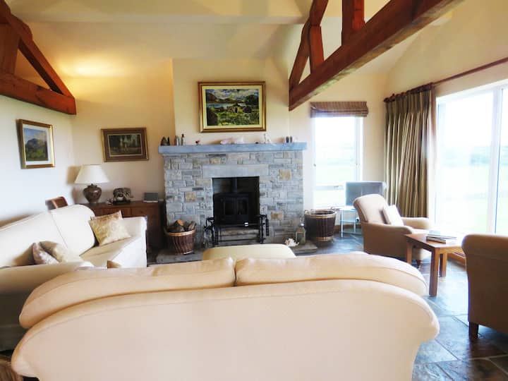 Luxury 3  Bedroom Cottage, Rossnowlagh, by the sea