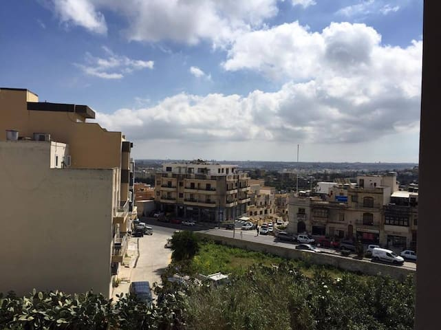 Nice flat located in the center of San Gwann! - San Ġwann