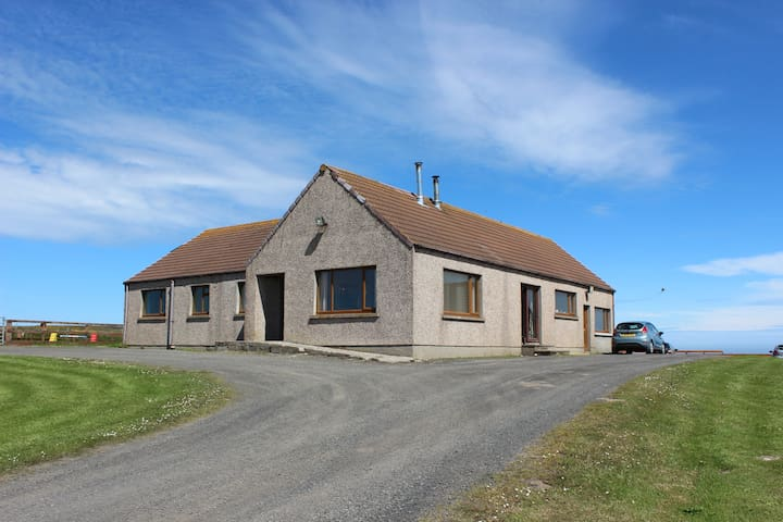 Double en-suite room. Ideal stop on NC500 route.
