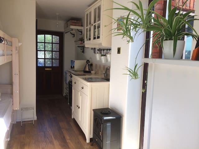 Self contained Apartment in Welwyn North.