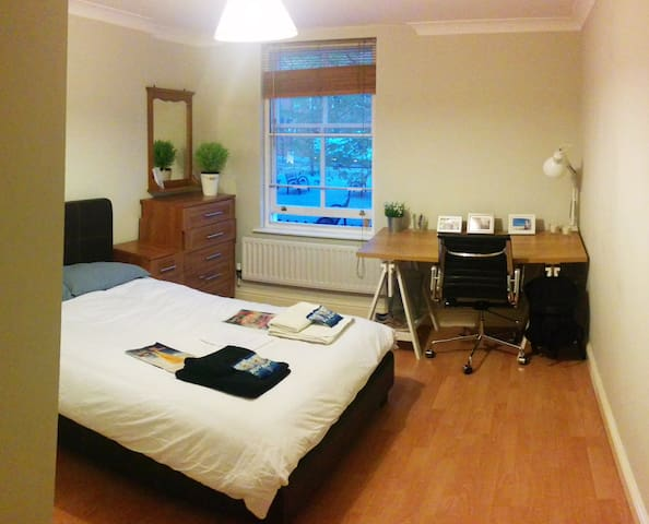 Spacious and clean double room in prime location - Suur-Lontoo - Huoneisto
