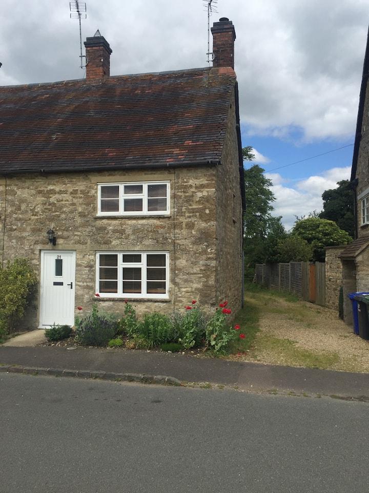 Cottage the Green, Evenley, Brackley