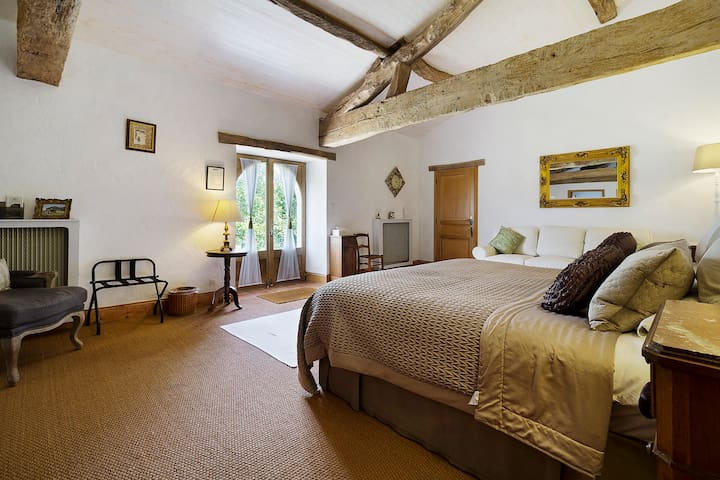 'Le Farat' Luxurious Private Bed & Breakfast Suite