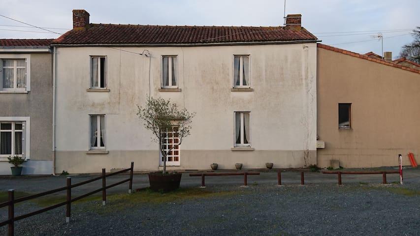 Maison 5 personnes à 5 km du Puy du Fou - Saint-Malô-du-Bois - House
