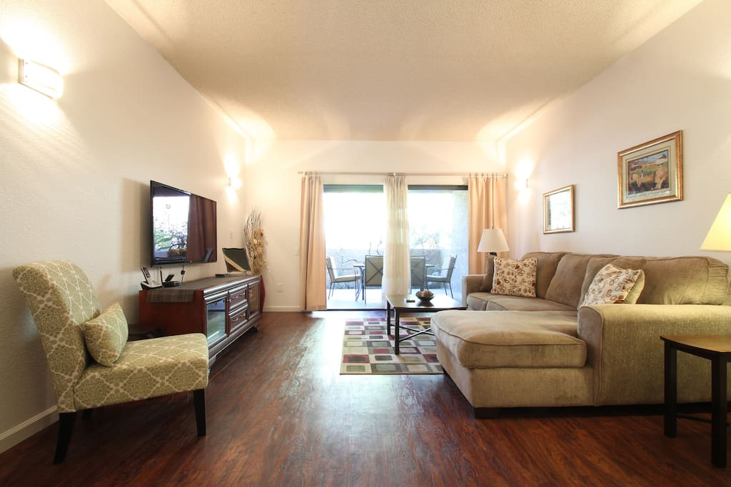 come and relax in this cozy 1250 sq feet condo, you will never want to leave.