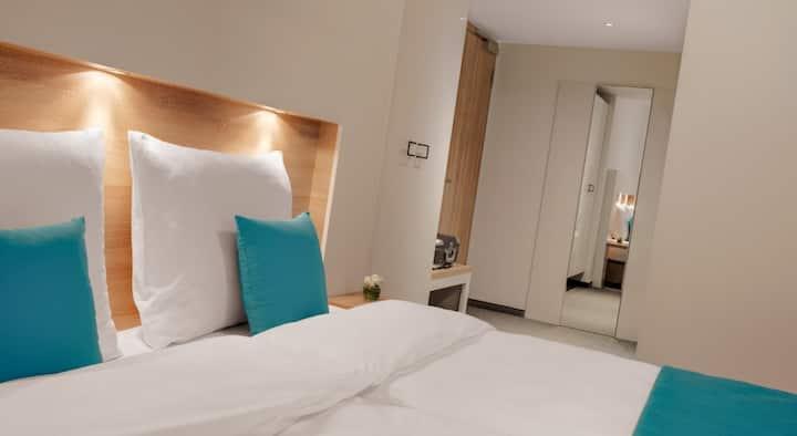Hotel-Pension Seereich, (Lindau am Bodensee), Doppelzimmer Komfort mit WC und Dusche