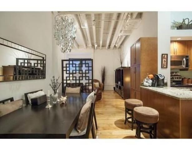 Luxurious 1BD Condo in Boston's Leather District