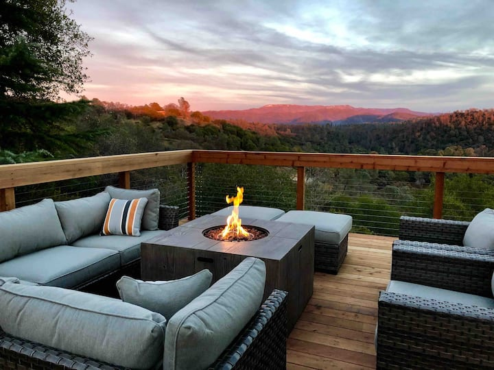 Hilltop Yosemite Retreat-Hot tub/fire pit/VIEWS!