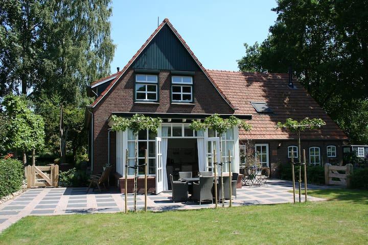 Landelijke luxe vakantiewoning in Groenlo - Groenlo - Casa