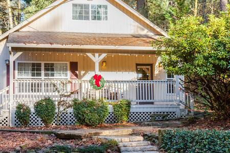 Front Porch Cottage - Battle Ground