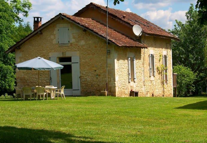 Le Châlet - Saint-Georges-de-Montclard - House