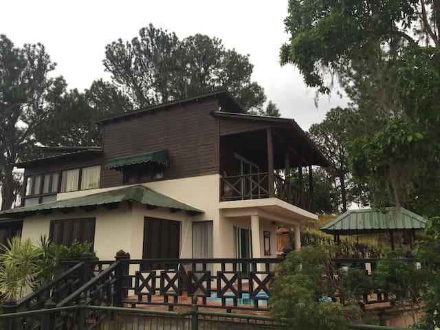 ECO MOUNTAIN VILLA - Pedregal - Vila