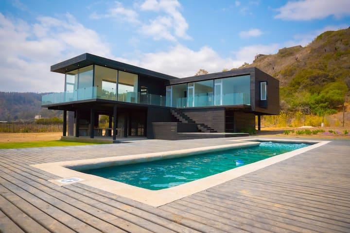 Casa Moderna en Bosquemar de Tunquen