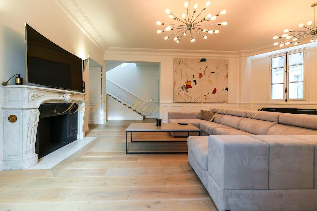 100 Sqm living room