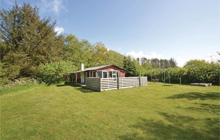 Holiday cottage with 2 bedrooms on 50 m² in Løkken
