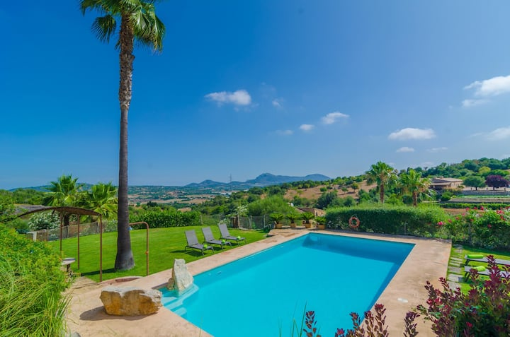 SES PEDRES - Villa with private pool in MANACOR. Free WiFi