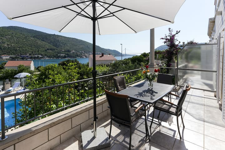 Villa Celenca - 2 Bedroom with Balcony & Sea View - Mokošica - Apartment