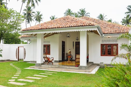 A Stunning Villa with private pool. - Weligama