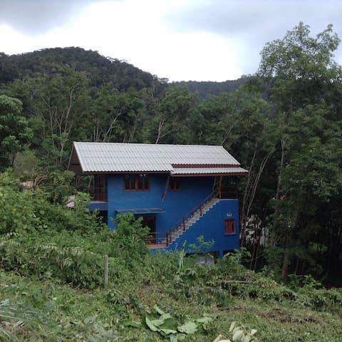 Bamboo shop/house - Ko Lanta Yai - Haus