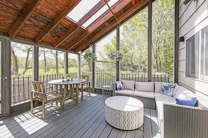 Suburban Retreat - Convenient & Modern 3br house