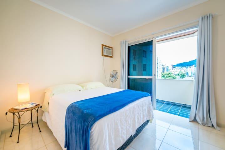 Quarto Centro, 1 quadra da Av. Beira Mar Norte - 弗洛里亞諾波利斯 - 公寓