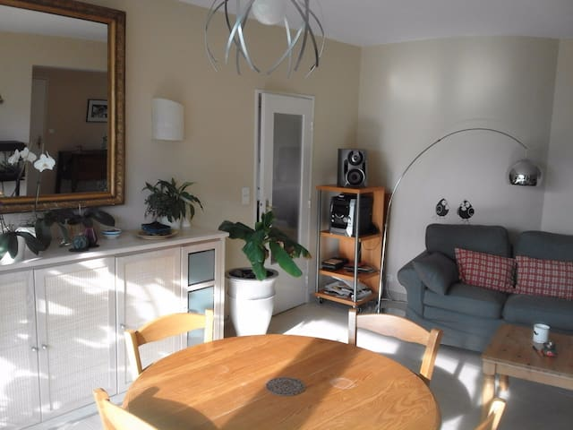 Appartement dans un quartier calme de Bruxelles - Brüssel - Wohnung
