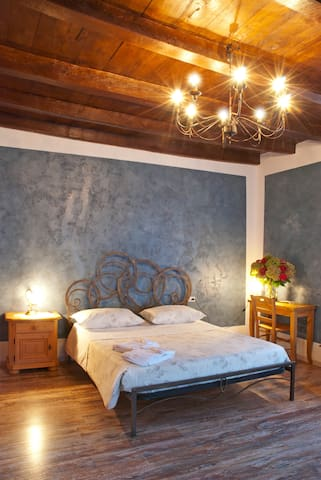 CAMERA PIETRA - Roncola - Bed & Breakfast