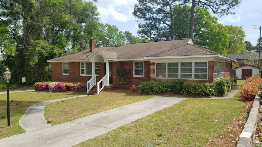 Comfortable Clean Home in Cayce