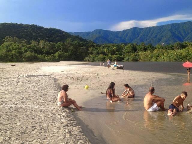 Flat pousada praia de Camburi, litoral norte de SP