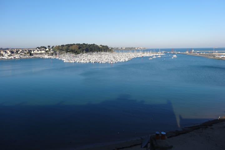 Duplex vue sur port de plaisance