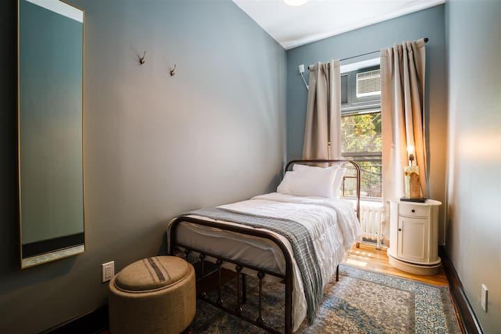 Private Room Chelsea 2F