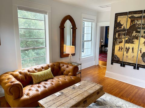 Stylish Apartment in Downtown Historic Duckpond