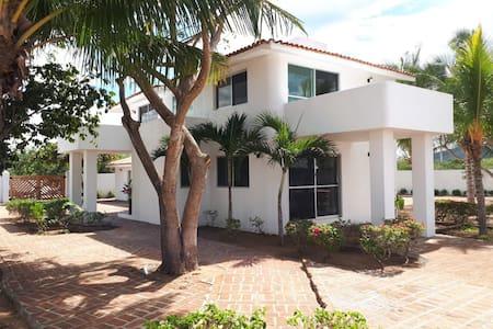 Casa frente al mar en la Bahía de Chamela