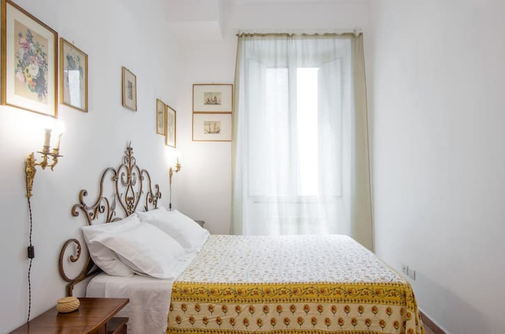 TRASTEVERE Family Flat, Up to 4 ppl, 700 Sq ft