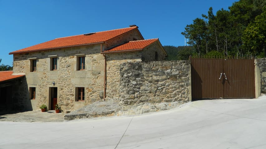House for up to 15 persons next to Noia - A Coruña - House