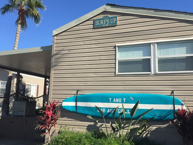 Surf's Up - Relax and enjoy the deck with a view. - Port Isabel - House
