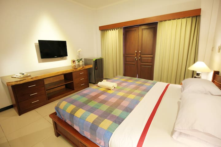 nice room with free wiffi with pool area - Kuta