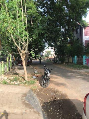 THE STREET AVENUE LOOK