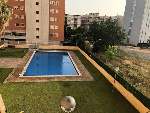 apartamento cerca de la universidad con piscina