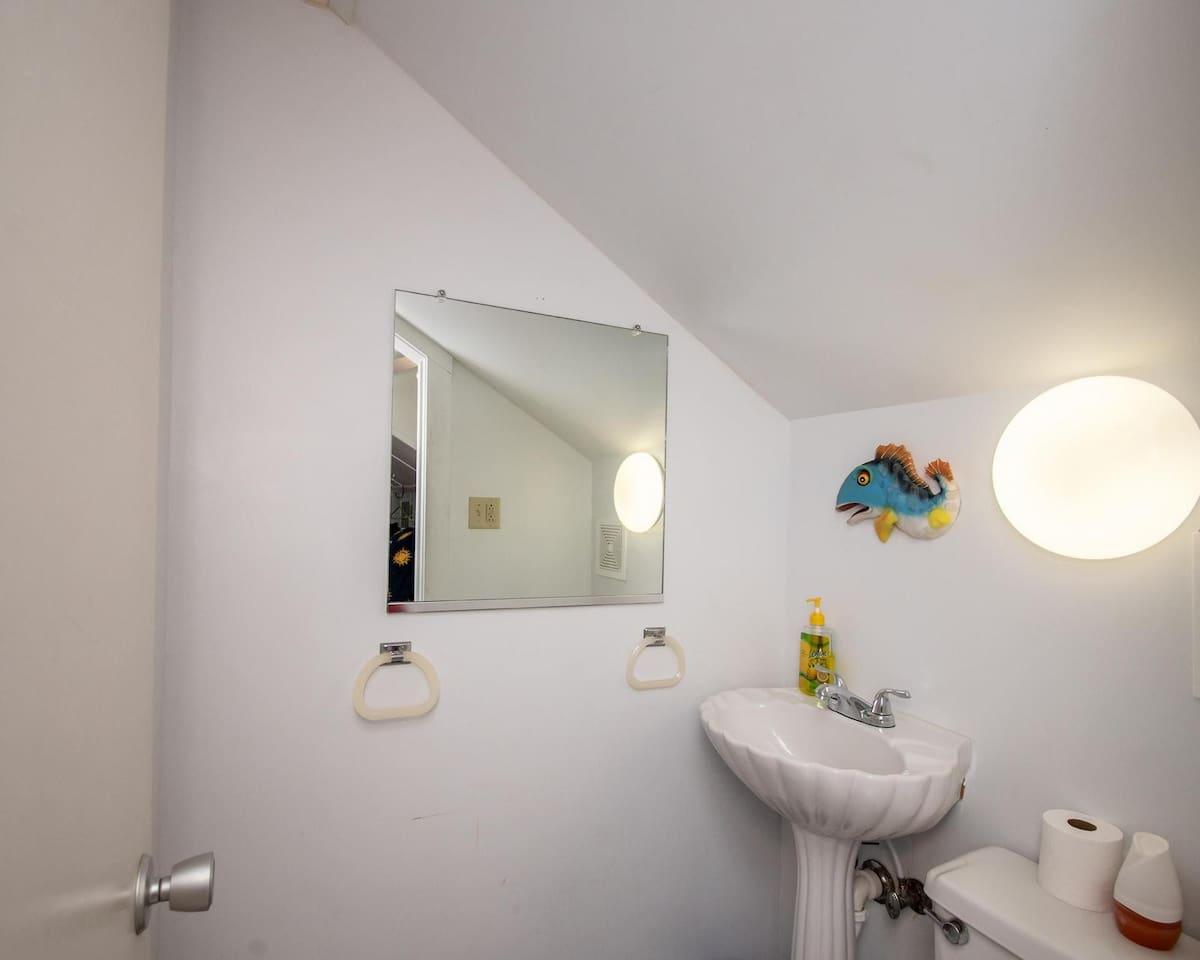 Half bathroom - 2nd floor