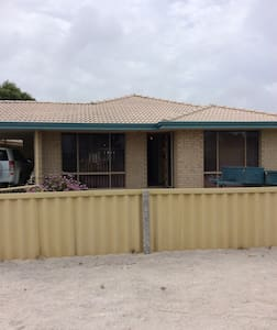 Holiday home by the bay - Jurien Bay - Maison