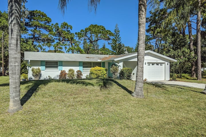 Family Home w/ Screened-In Porch, Large Backyard, Free WiFi - Close to Shopping!