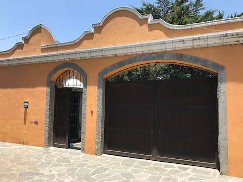 Casa tipo hacienda San Salvador el Seco