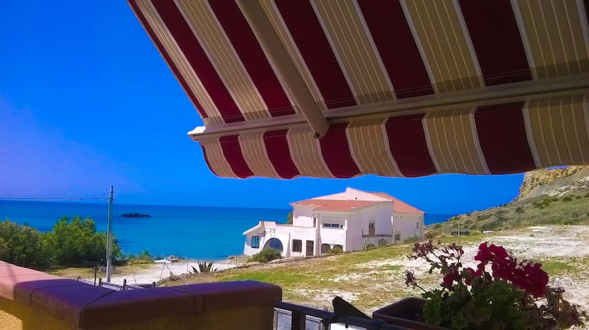 Apartment direct to the beach of Scala Dei Turchi
