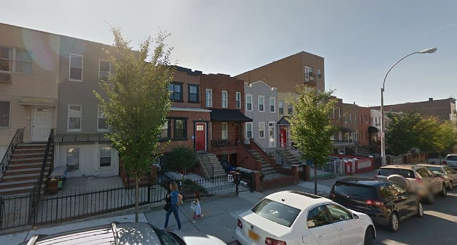 2 BR - Clean - Temp Housing near B'klyn Hospitals